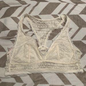 🐟 Victoria's Secret White Lace Bralette 🐟